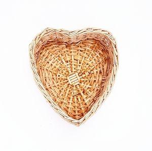 HEART SHAPE Wicker Basket